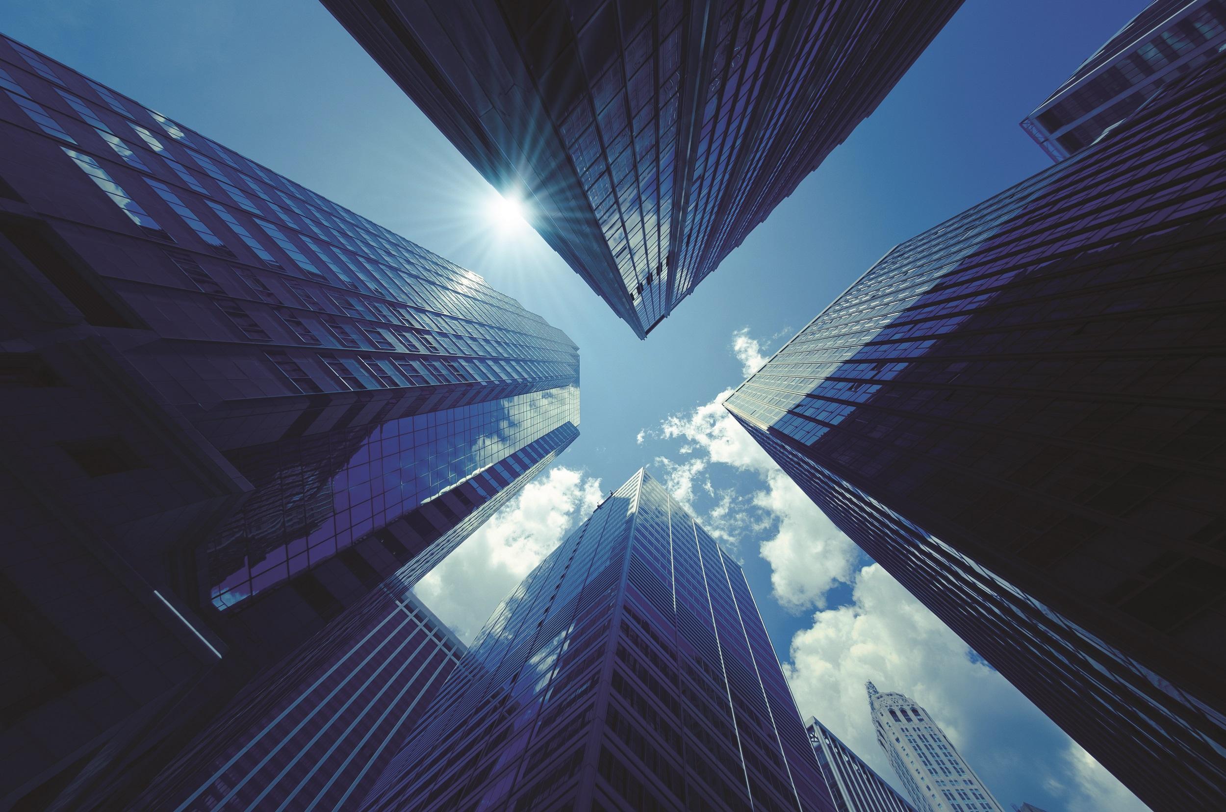 بررسی تأثیر شاخصهای کیفی سود بر بازده اضافی سهام